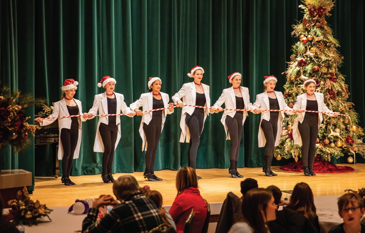 Holiday Show Dancers
