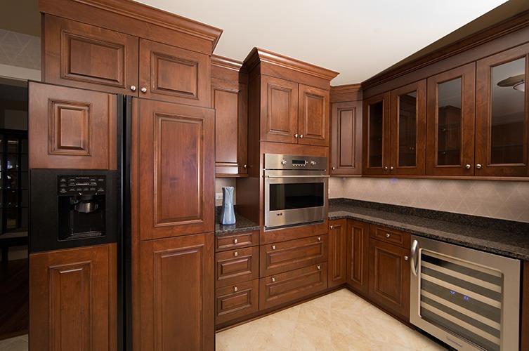 Cherry wood gourmet kitchen