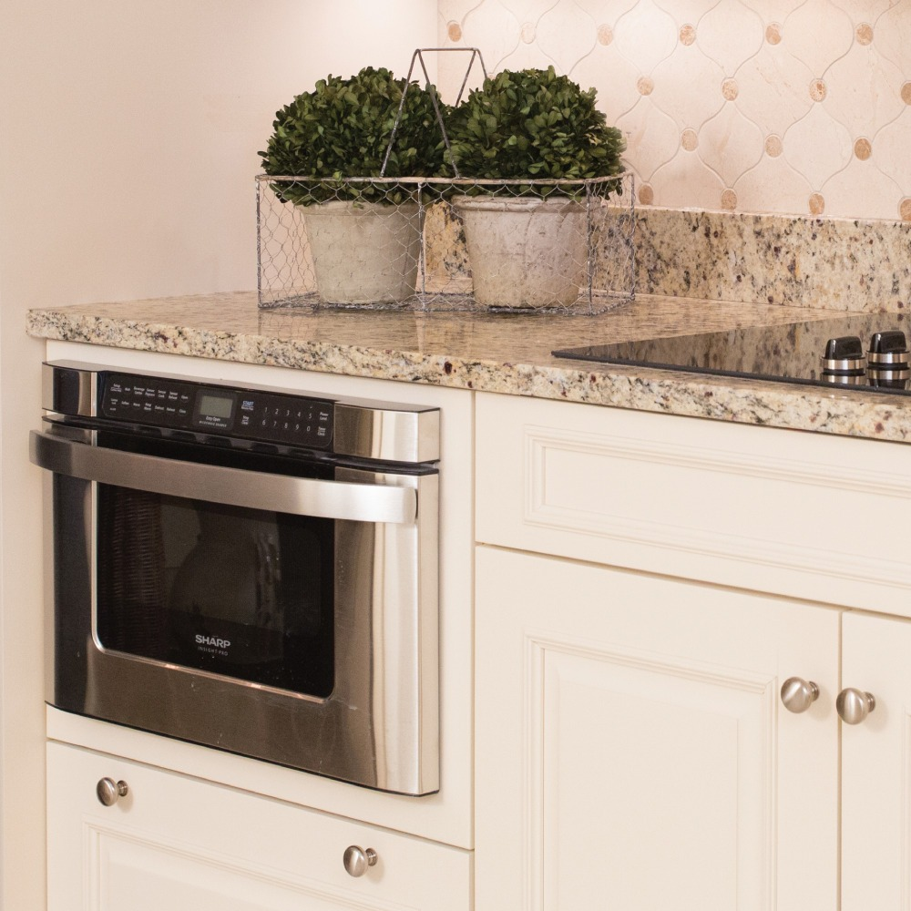 Convection oven and cream woodwork